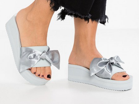 pool-wedge-bow-silver